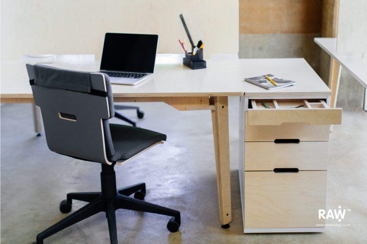 Ekstend Stor: Office Storage Solutions Desk Furniture